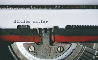 black-and-red-typewriter-1995842