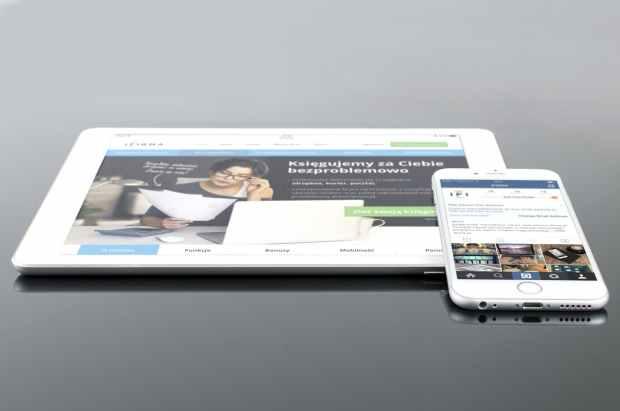 mockup-psd-ipad-iphone-38639.jpeg