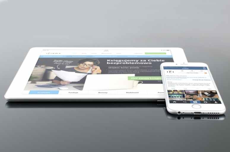 mockup-psd-ipad-iphone-38639.jpeg