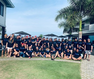 The growing Kumu team